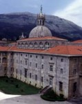 http://www.gocatholictravel.com/wp-content/uploads/azpeitia_basilica9.jpg